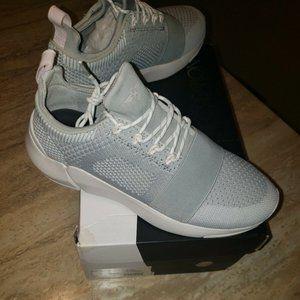 Creative Recreation Womens Ceroni Sneakers
